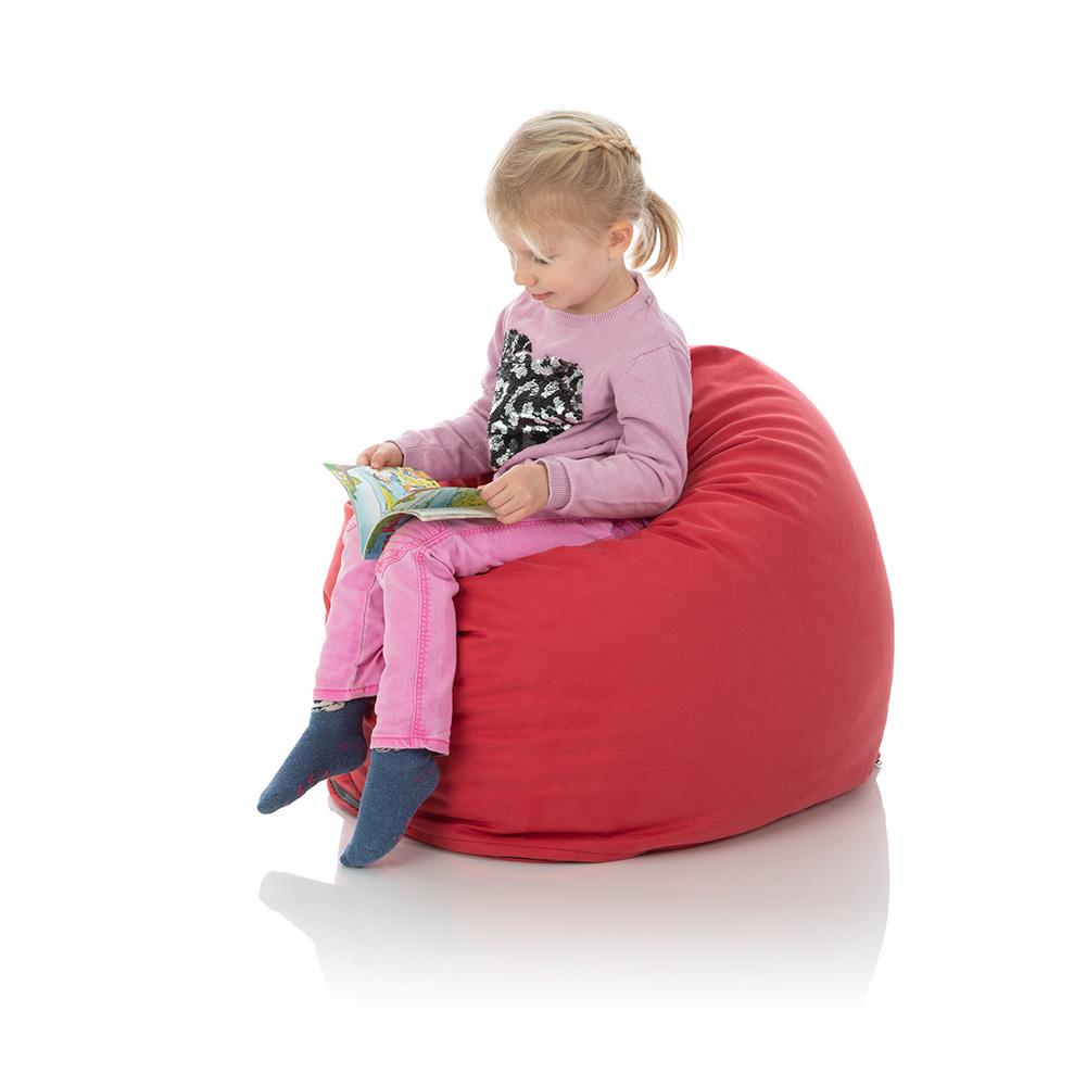 Kleines Mädchen im Kinder-Sitzsack rot von frago