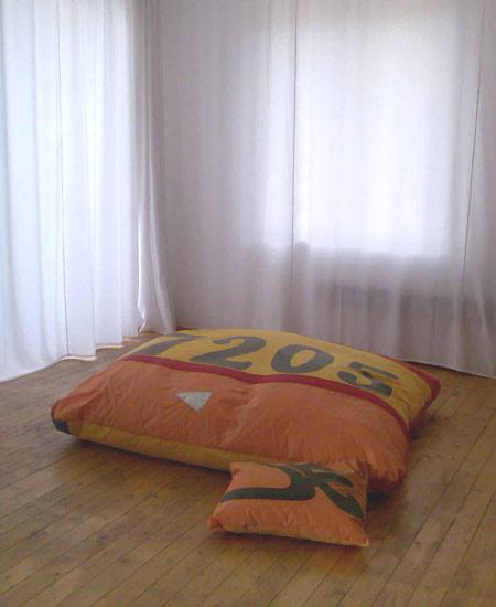 20070338-segelkissen-spielwieseimqMtUuWVaOW0