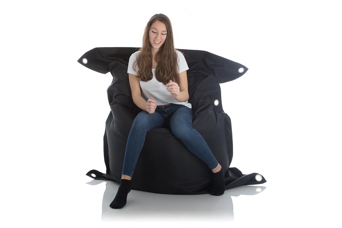 Sitzsack schwarz 140x200cm fuer draussen im Garten