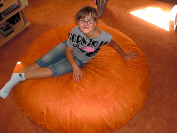 20110809-1-riesenkissen-140cm-orange-sabine-fe8jJJjVZZBcR4