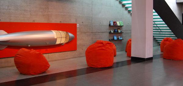 20091112-sitzsack-sunny-orange-micro-3BQxdYLxm6OWxt