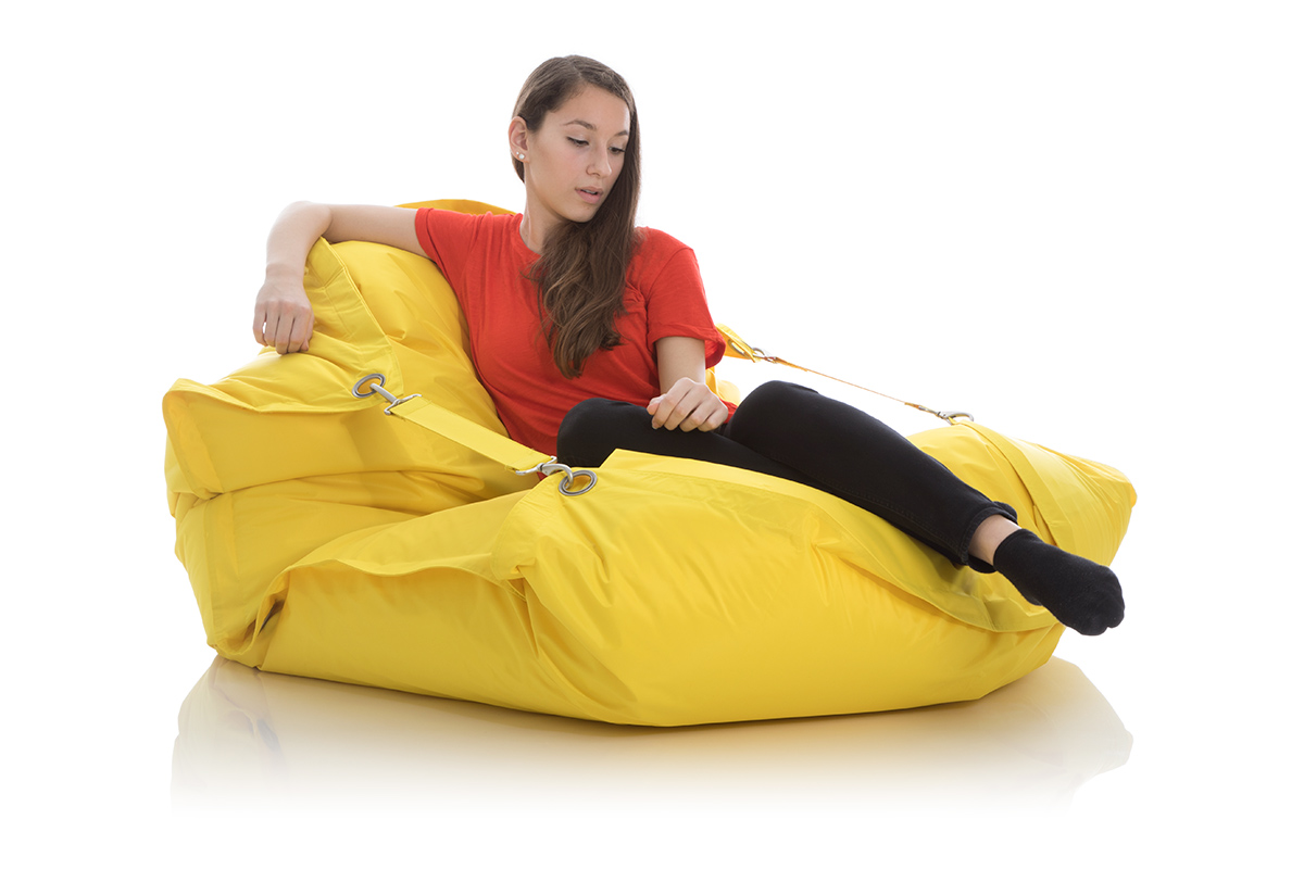 Outdoor Sitzsack gelb mit Ringen und Gurten
