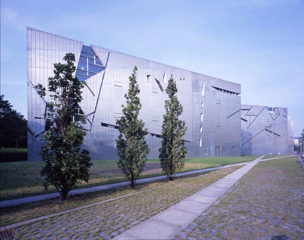 1-fassade-juedisches-museum5mEdtIWZVvZs0