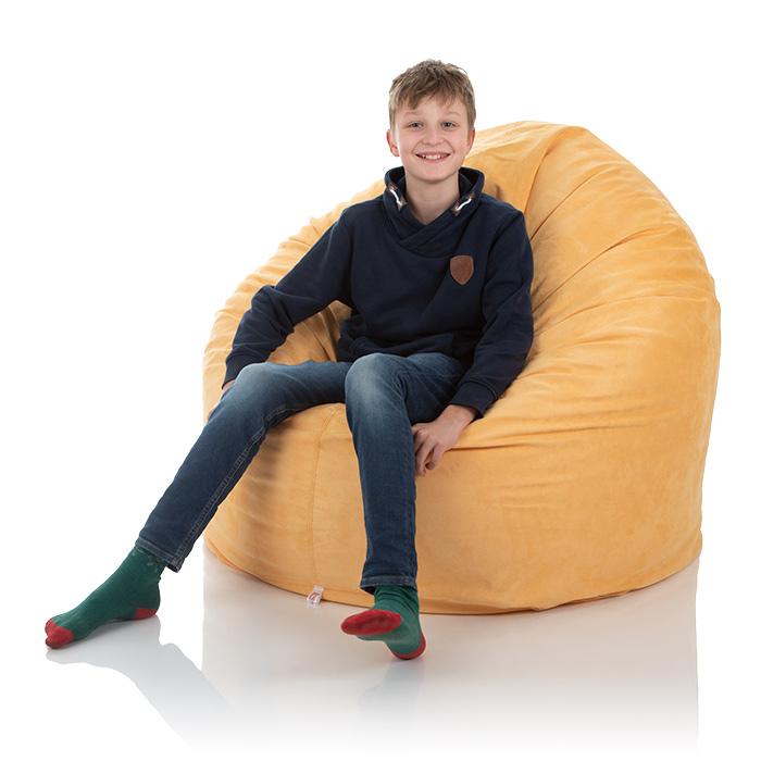 Junge sitzt im XXL frago Sitzsack Herkules