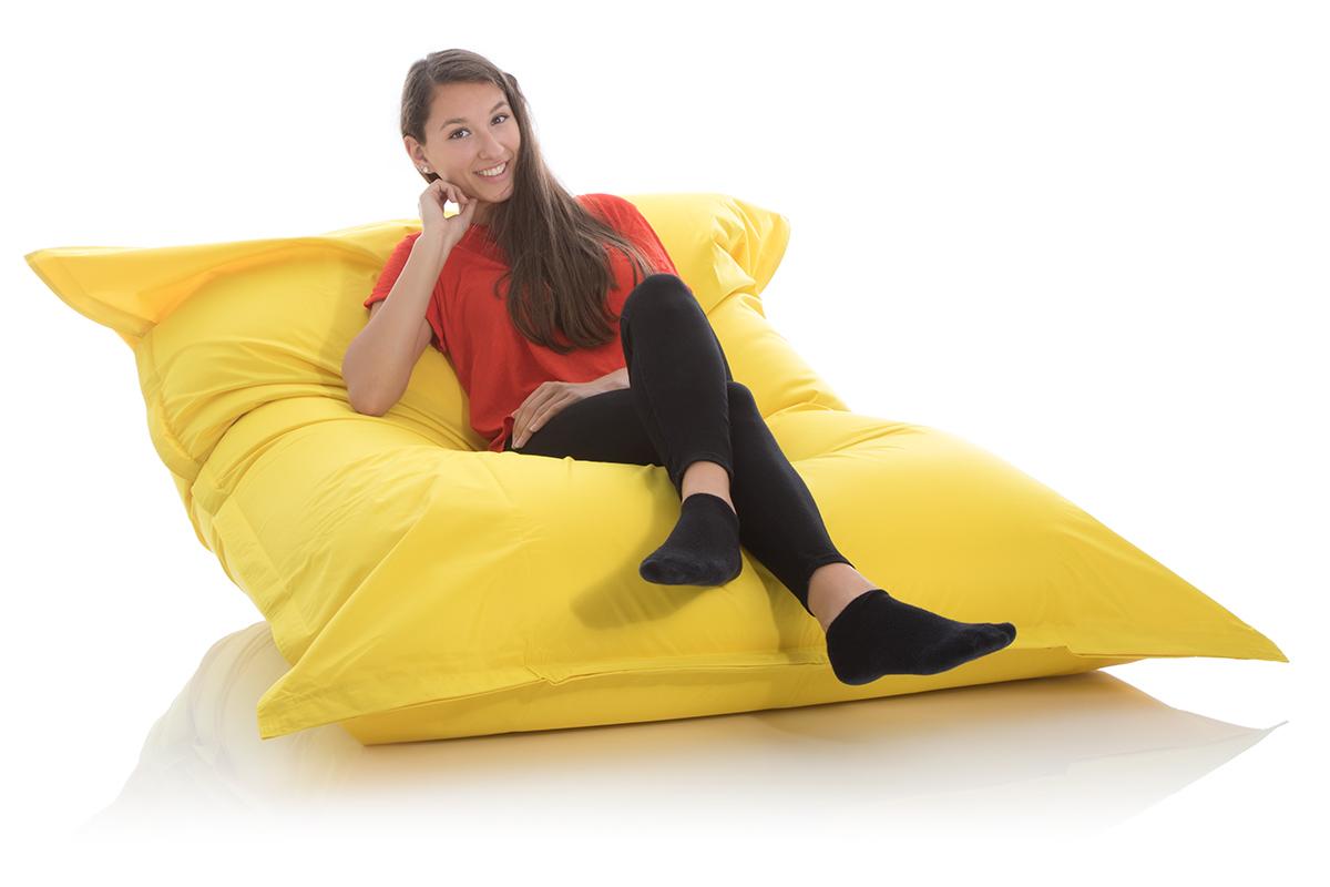 XXL Outdoor Sitzsack gelb fuer Kinderzimmer und Garten