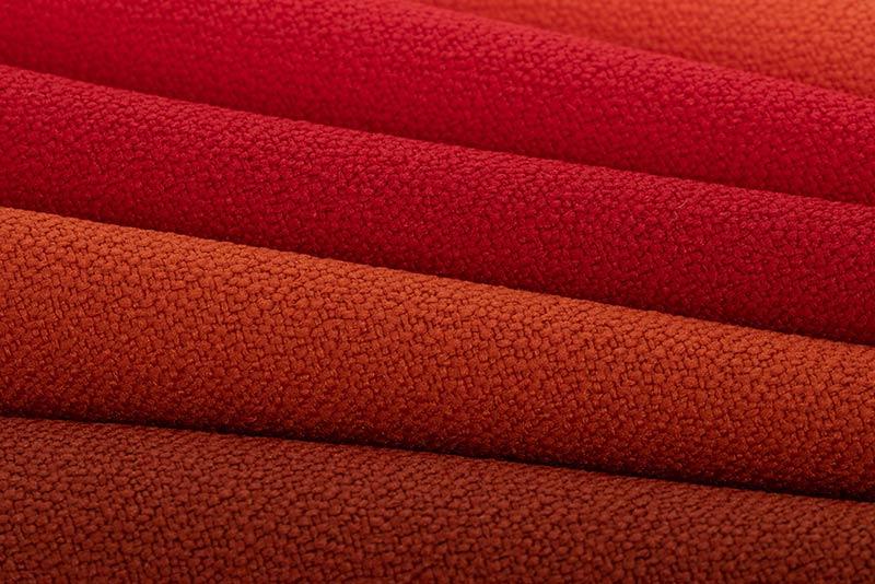 Schwer entflammbarer Stoff für Sitzsäcke und Kissen in rot